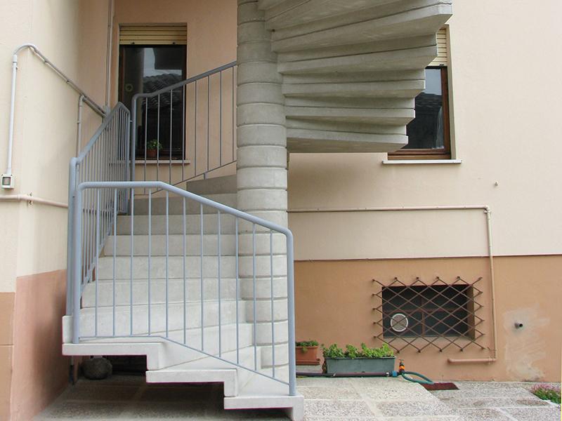Scale in cemento fontanot per interni ed esterni modello 013 for Esterno in latino