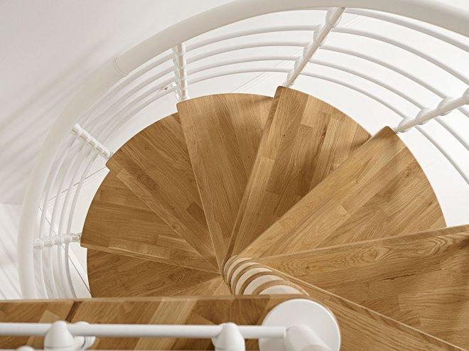 dettaglio scale a chiocciola oak70xtra