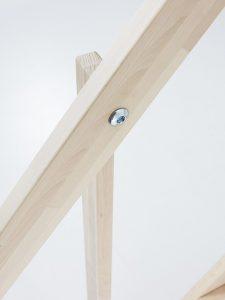 dettaglio scala in legno