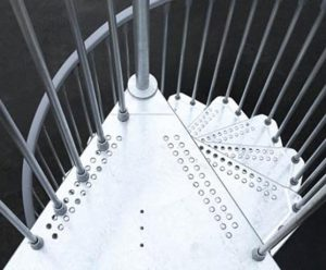 dettaglio gradini scala in acciaio