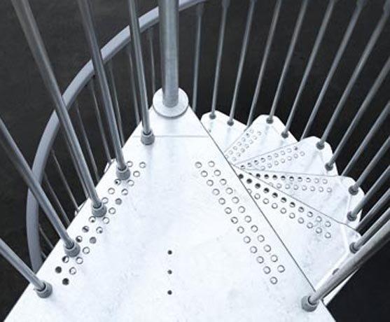 Scale steel zink pixima fontanot scale in acciaio per esterni for Scale pixima